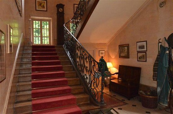 Chateau de Villette : Stairwell to Bedrooms