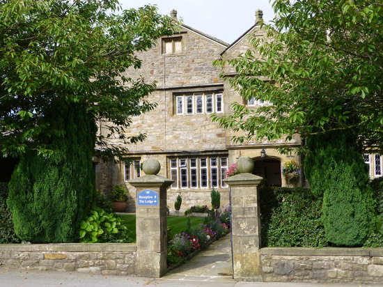 Stirk House Hotel: Main entrance