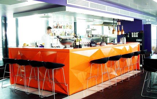 Top Floor Bar & Restaurant: Top Floor Restaurant & Bar