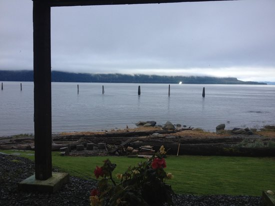 Grand View Bed and Breakfast: View from the Moose Room