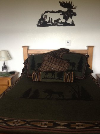 Grand View Bed and Breakfast: Sleep like a baby, this bed is sooooo comfy!!!
