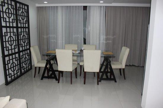 Kuta Ardenia Residence: Dining Room