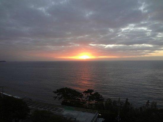 KKR Hotel Atami: 美しい日の出