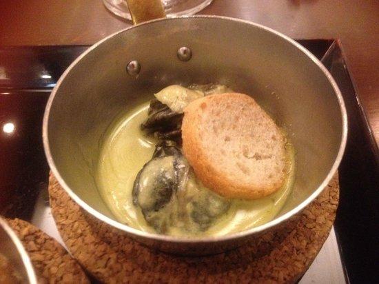 The Imperial Viking Sal: エスカルゴのグリーンスープ