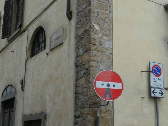Residence La Contessina: Local street signs altered by local artist (We had fun looking for them)