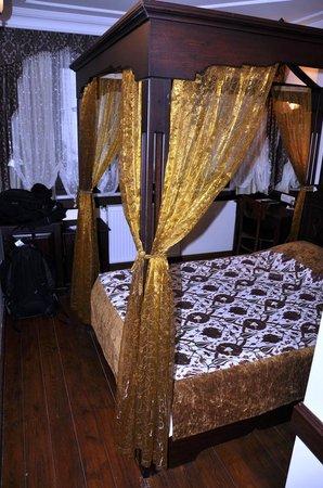 Hotel Alp Guesthouse: Bedroom