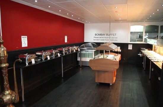 Bombay Buffet: Buffet area