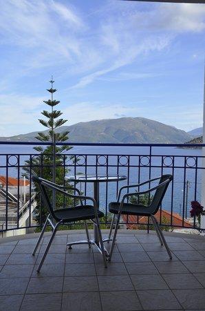 Olive Bay Hotel: Il terrazzino...