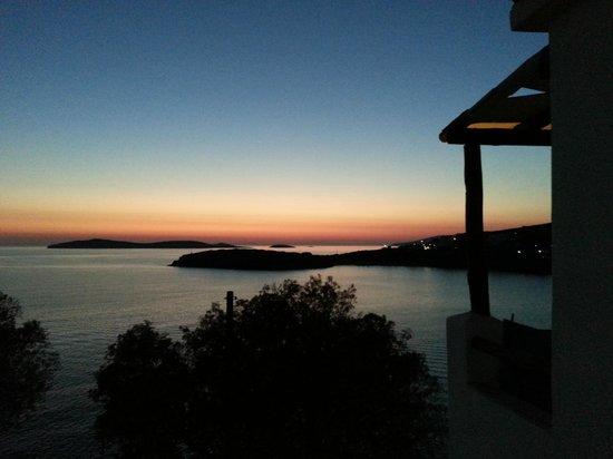 Villa Paradise: Het uitzicht vanaf het balkon /view from the balcony