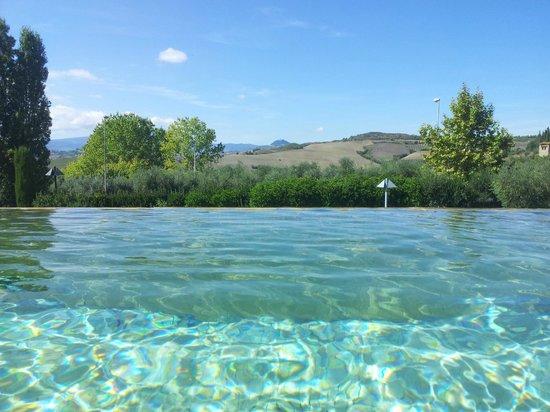 Fonteverde: Piscina con acqua termale riscaldata a 37 gradi