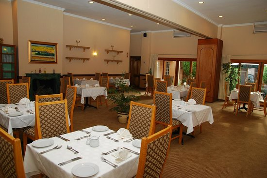 The Elegant Lodge: Red Sage Restuarant