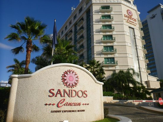 aa0a57af04d046 Hotel Front - Picture of Sandos Cancun Lifestyle Resort