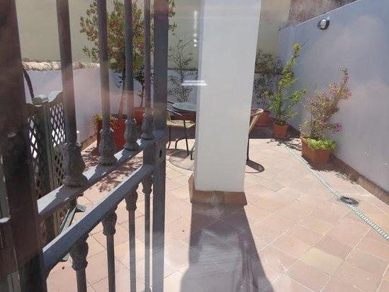 Hotel Abril: Terraza