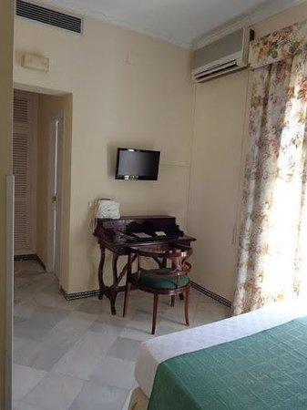 Hotel Abril: Habitación
