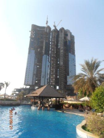 Sheraton Abu Dhabi Hotel & Resort: Pool with a view