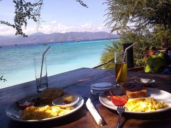 Tir Na Nóg Gili Trawangan Accommodation: Завтрак