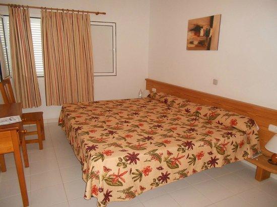 Arena Dorada Apartments : La habitación