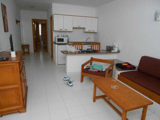 Arena Dorada Apartments : Vista de la cocina
