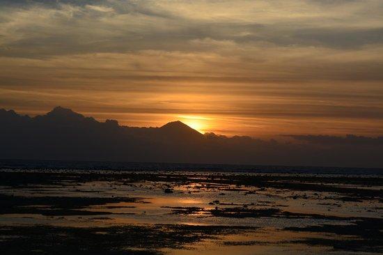 Tir Na Nóg Gili Trawangan Accommodation: Обязательно сходите на закат!