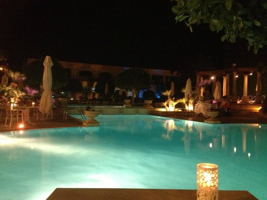 Corinthia Palace Hotel & Spa: The stunning main pool at night