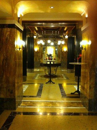 Le Meridien Grand Hotel Nürnberg: Lobby