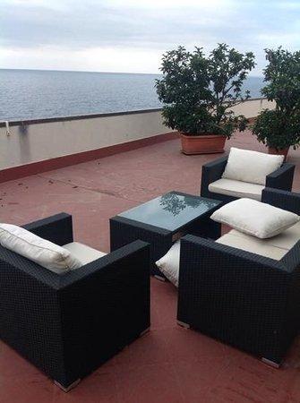 Hotel Nettuno : la terrazza vista mare!
