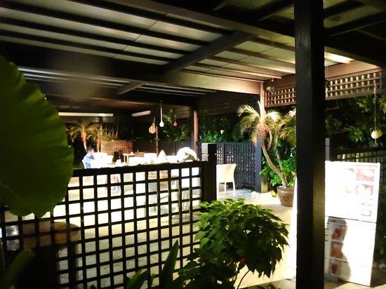 Shigira Ougon Onsen: cafe space