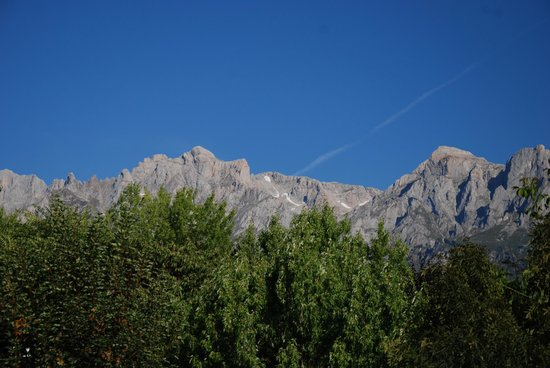 Camping La Viorna : view of the mountains from the camping