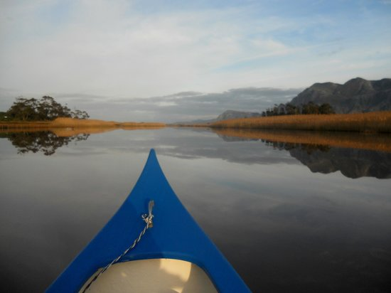 Stanford River Lodge : Early morning paddle
