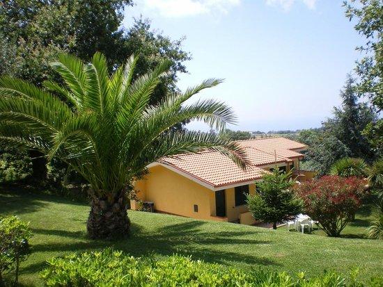 Borgo San Cosmo: Villette immerse nella campagna con vista mare