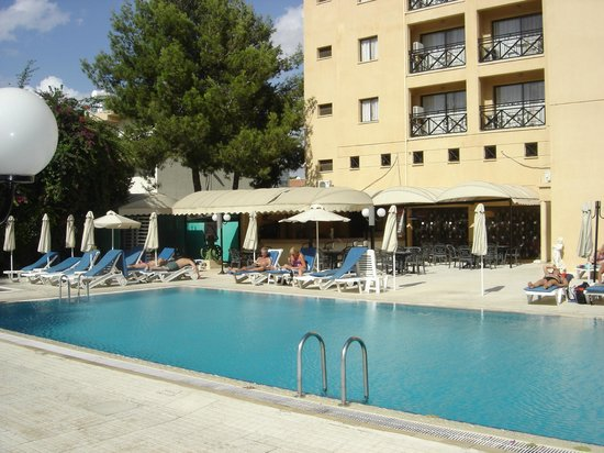 Jasmine Hotel  Apartments: zwembad