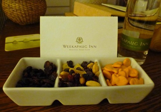 Weekapaug Inn: The yummy things they leave in your room during turndown service