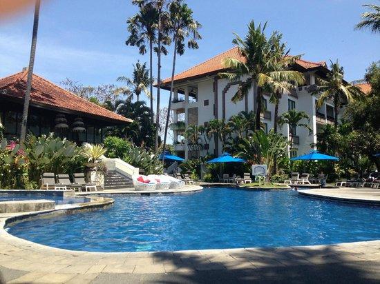 Sanur Paradise Plaza Suites: Main pool