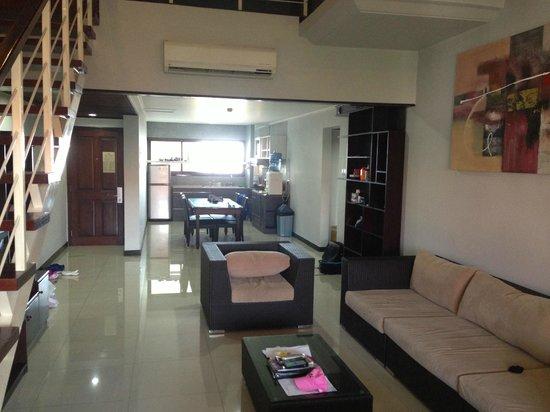 Sanur Paradise Plaza Suites: Kitchen/dining - 3 bedroom suite