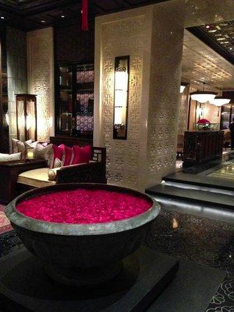 The Leela Palace Chennai Beautiful Decor Of China Xo