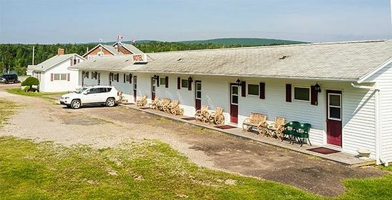 St Ann's Motel & Cottage: Exterior