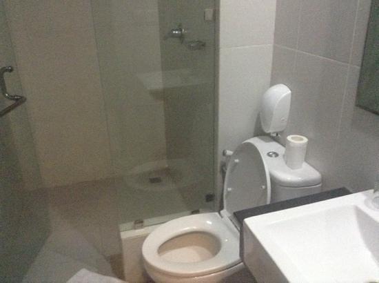 Gosyen Hotel: Nice bathroom