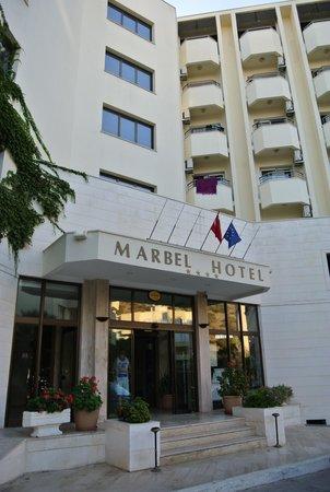 Marbel Hotel: Ingang hotel