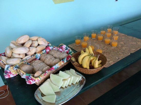 Sagres Natura Surf Camp School & Shop: Breakfast!