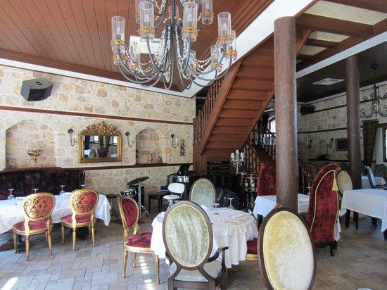 Tuvana Hotel: trappe til værelserne