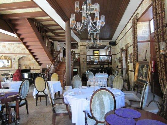 Tuvana Hotel: den hyggelige restaurent