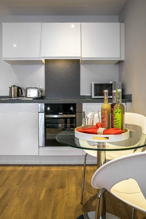 SACO Manchester - Piccadilly: Open plan apartment kitchen/ dining area