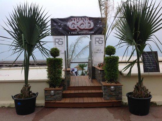 Plage Rive Gauche : l'entrée fort sympathique