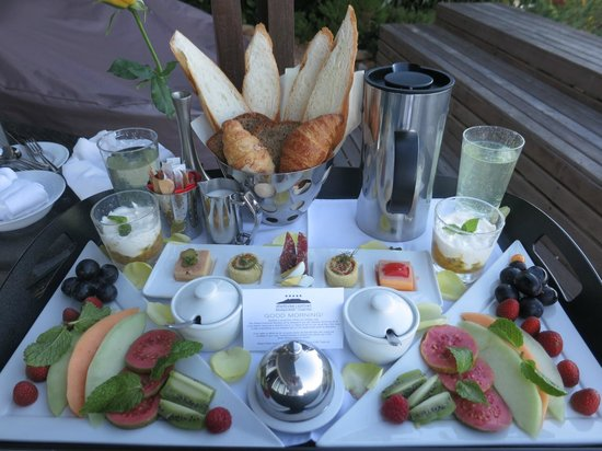 Atlanticview Cape Town Boutique Hotel: Your beautiful breakfast served to your Suite