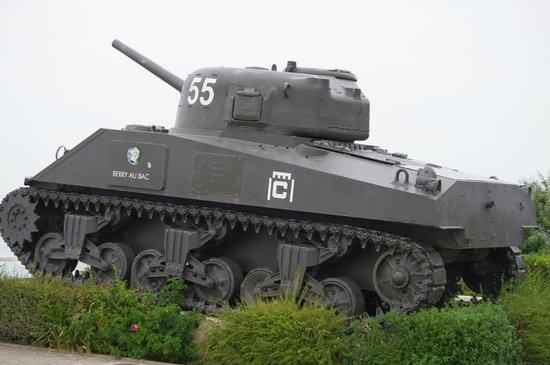 D-Day Beaches (Plages du Debarquement de la Bataille de Normandie): char