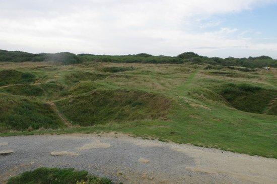 D-Day Beaches (Plages du Debarquement de la Bataille de Normandie): Trous d'obus