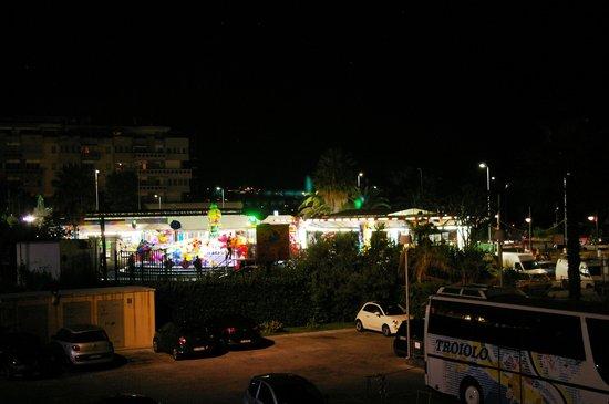 Hotel Nettuno : The funfair next door