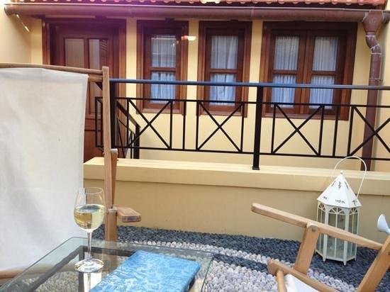 Rodos Niohori Elite Suites Boutique Hotel: терраса