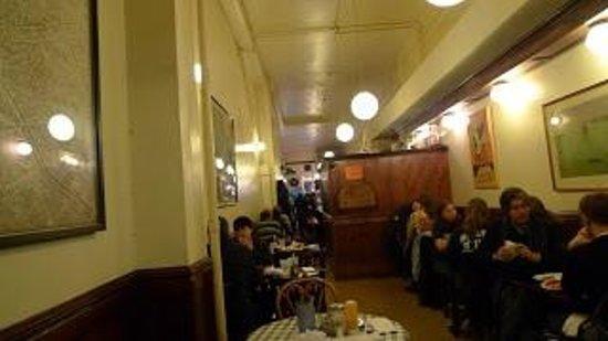 Eisenberg's Sandwich Shop : Inside