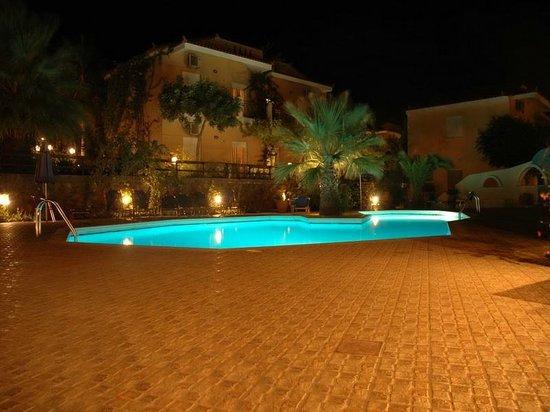 Panorama Villas : Swimming pool